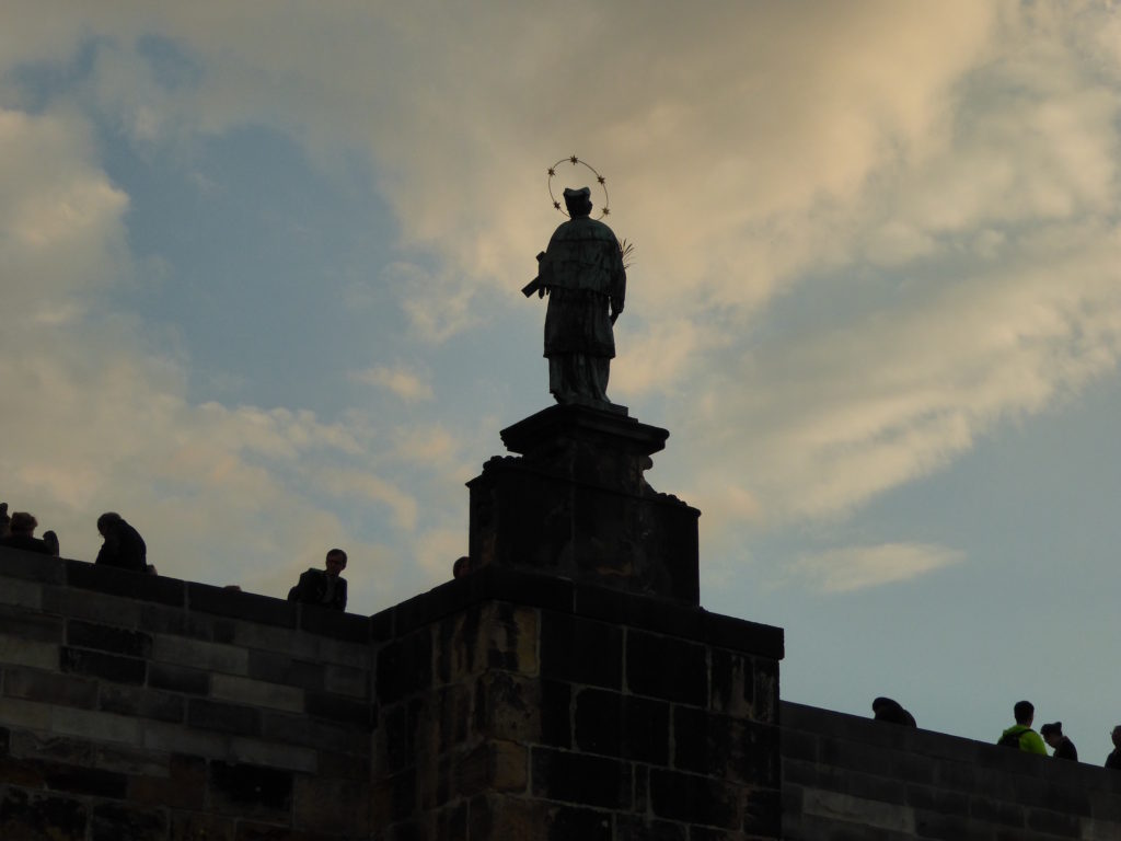 Figur auf der Karlsbrücke