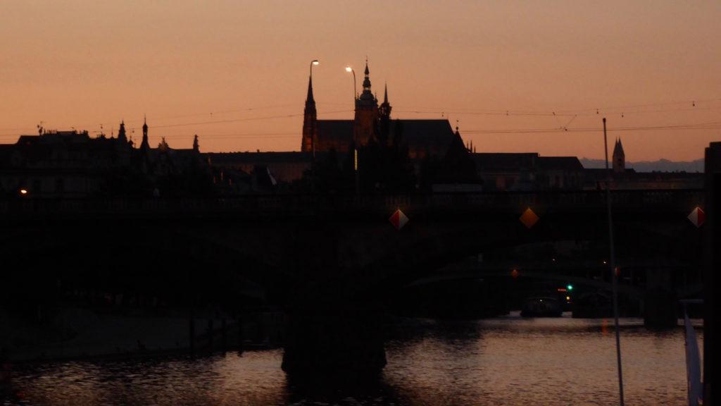Prager Burganlage bei Nacht II