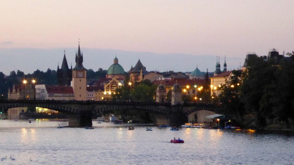 Beleuchtetes Prag
