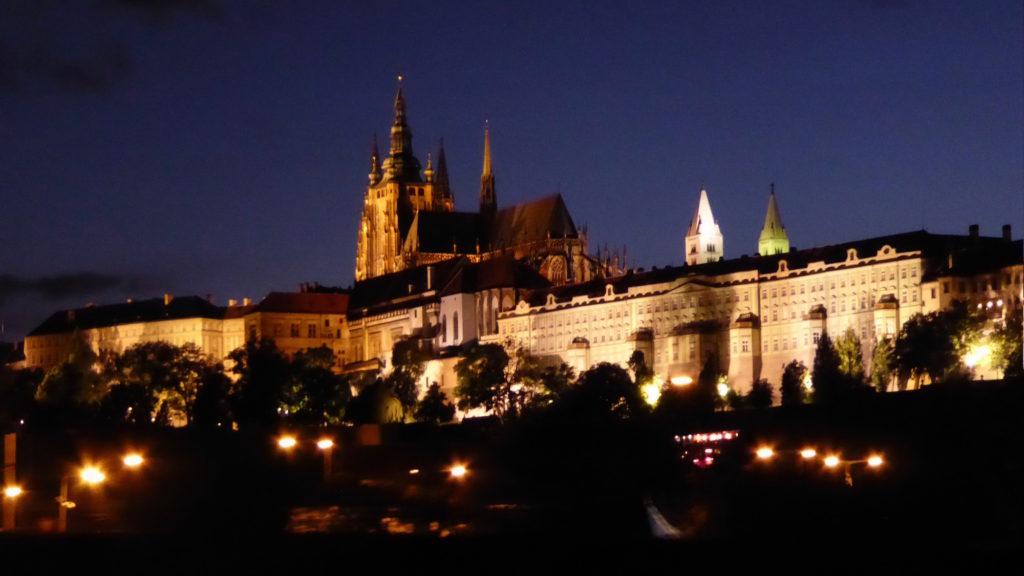 Prager Burganlage bei Nacht I