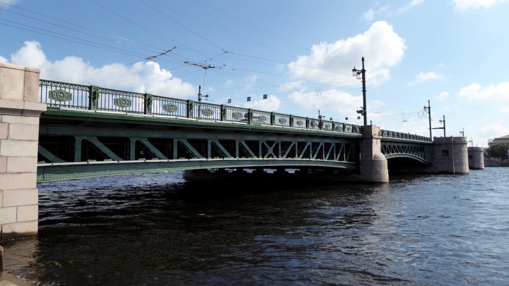 Dvortsovyy most