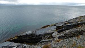 Schieferfelsen am Porsangerfjord