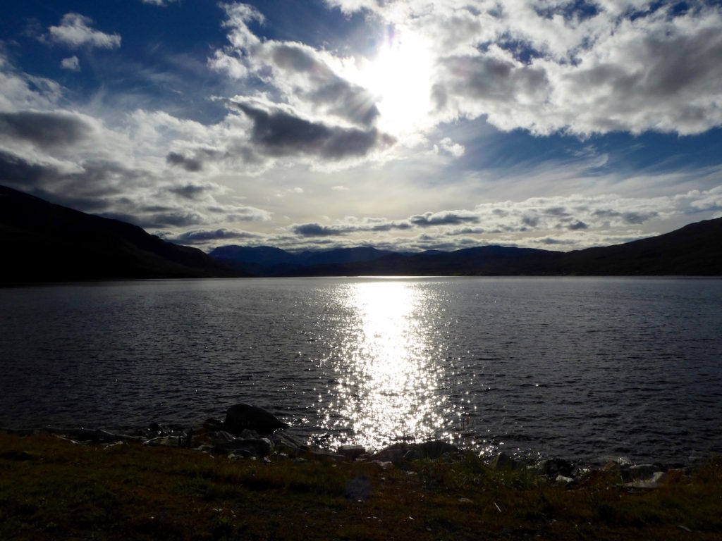 Straumfjord in untergehender Sonne