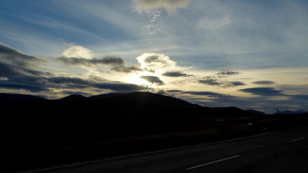 Knockan Crag bei Sonnenuntergang
