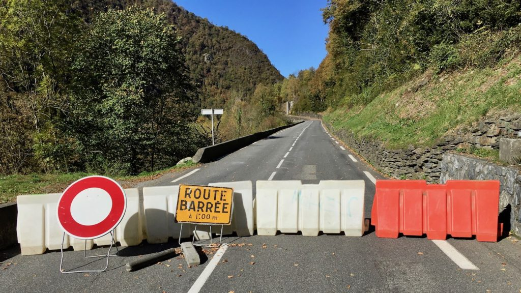 D921 Route Barrée