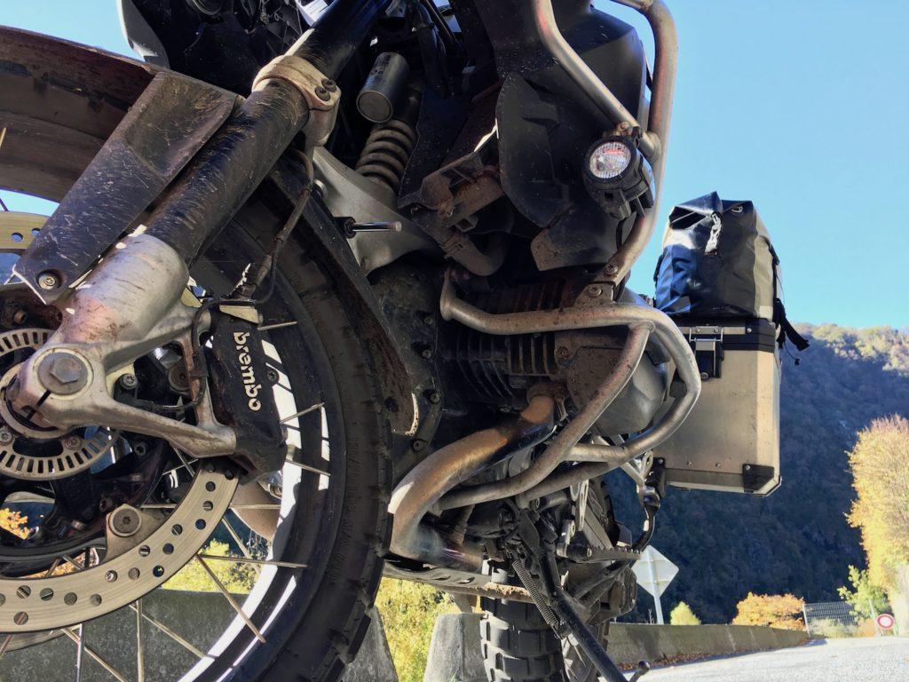 R 1200 GS Adventure LC von unten