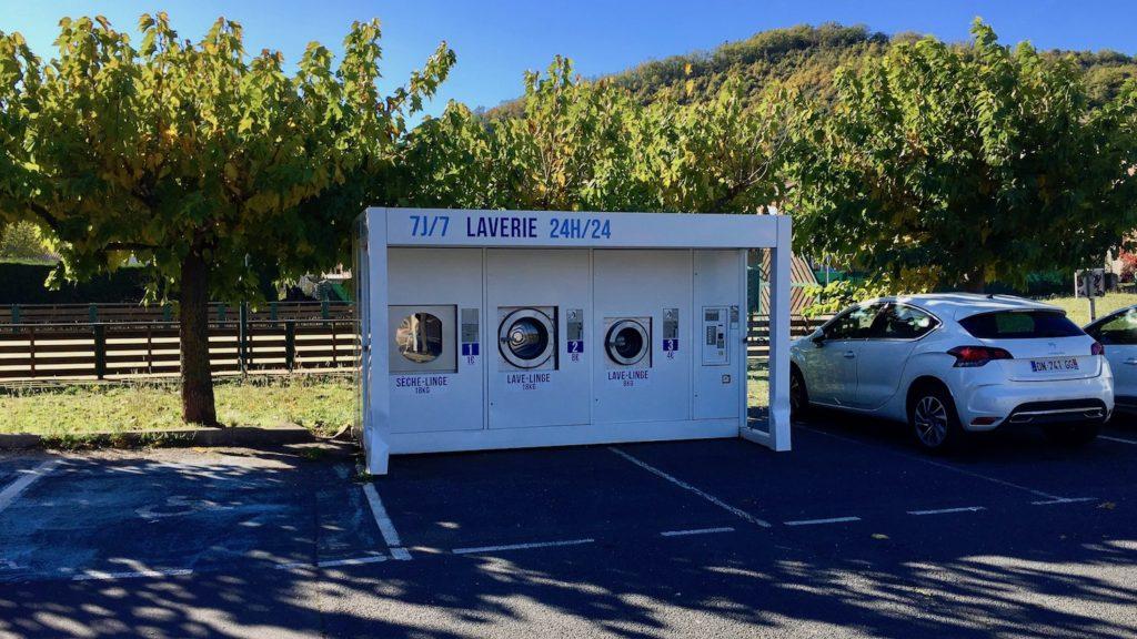 24h Waschen in La Tour-sur-Orb, Languedoc, Frankreich