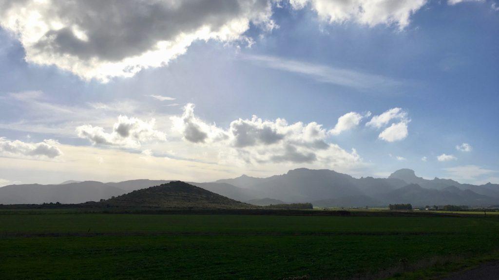 Ausblick bei Guspini, Sardinien, Italien
