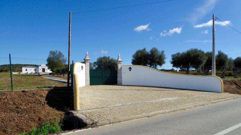 Farm Einfahrt in Portugal