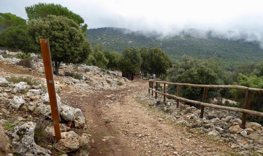 Anfahrt zum Nuraghe bei Osini, Sardinien, Italien