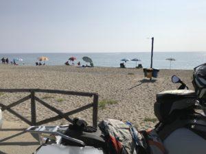Motorrad am Strand in Museddu