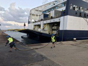 Grimaldi Cruise Barcelona wir in Porto Torres vertäut